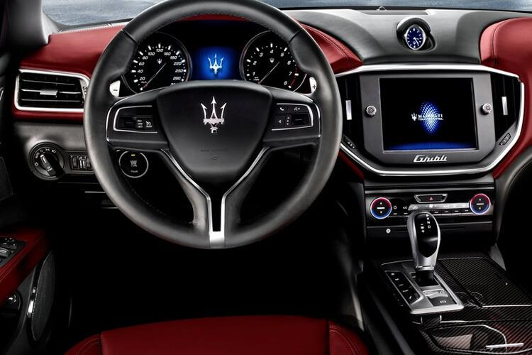 Maserati Ghibli Saloon 3.0 V6 350PS GranSport 4Dr ZF [Start Stop] inside view